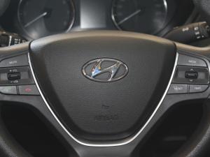 Hyundai i20 1.2 Fluid - Image 19