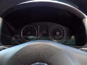 Volkswagen T5 Kombi 2.0 TDi Base - Image 11