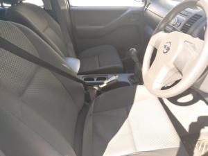 Nissan Navara 2.5dCi double cab 4x4 XE - Image 6