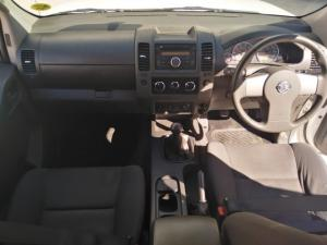 Nissan Navara 2.5dCi double cab 4x4 XE - Image 8