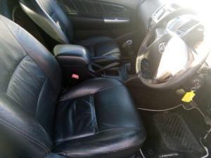 Toyota Hilux 3.0D-4D Xtra cab Raider Legend 45 - Image 6