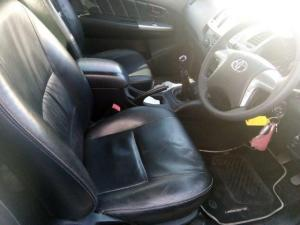Toyota Hilux 3.0D-4D Xtra cab Raider Legend 45 - Image 7