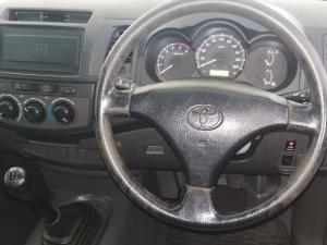 Toyota Hilux 2.5D-4D - Image 5