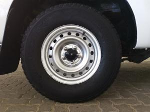 Toyota Hilux 2.5D-4D - Image 7