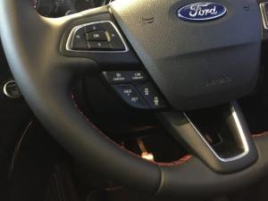 Ford Kuga 2.0 Ecoboost ST AWD automatic - Image 9
