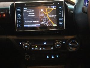 Toyota Hilux 4.0 V6 double cab 4x4 Raider - Image 12