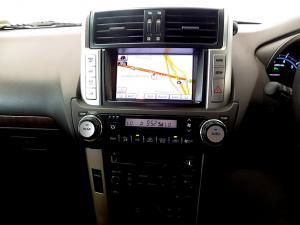 Toyota Prado VX 4.0 V6 automatic - Image 13