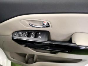 Kia Grand Sedona 2.2 Crdi EX + automatic - Image 10
