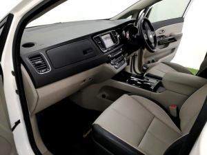 Kia Grand Sedona 2.2 Crdi EX + automatic - Image 24