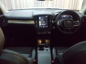 Volvo XC40 D4 AWD Momentum - Image 6