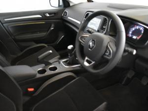 Renault Megane IV 1.2T Dynamique - Image 10