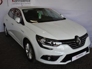 Renault Megane IV 1.2T Dynamique - Image 1