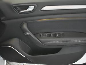 Renault Megane IV 1.2T Dynamique - Image 9