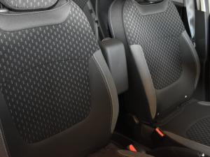 Renault Captur 900T Dynamique 5-Door - Image 12