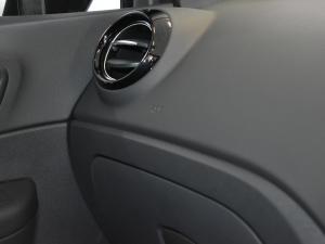 Renault Captur 900T Dynamique 5-Door - Image 14