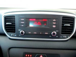 Kia Sportage 2.0 Crdi Ignite + automatic - Image 14