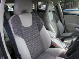 Volvo V40 T3 Kinetic - Image 9