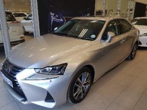 Lexus IS 300 Hybrid - Image 1