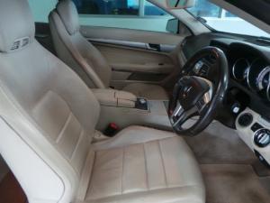 Mercedes-Benz E-Class E250 cabriolet - Image 8