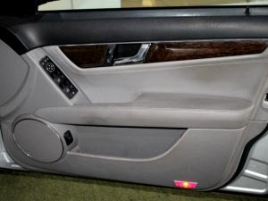 Mercedes-Benz C200K Elegance automatic - Image 27