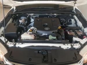 Toyota Hilux 2.8 GD-6 Raider 4X4 automaticD/C - Image 8