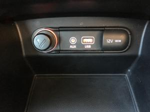 Kia Sorento 2.2D LX automatic - Image 16