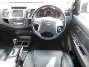 Toyota Fortuner 4.0 V6 RB automatic - Image 7