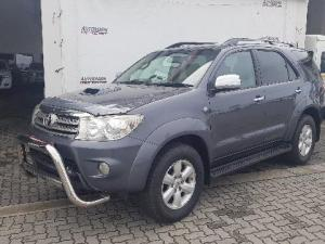 Toyota Fortuner 3.0D-4D Raised Body 4X4 - Image 1