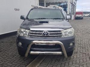 Toyota Fortuner 3.0D-4D Raised Body 4X4 - Image 2