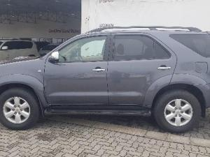 Toyota Fortuner 3.0D-4D Raised Body 4X4 - Image 3
