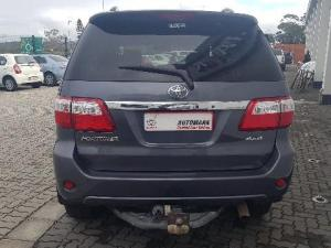 Toyota Fortuner 3.0D-4D Raised Body 4X4 - Image 4