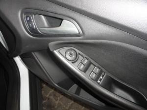 Ford Focus 1.0 Ecoboost Ambiente 5-Door - Image 11