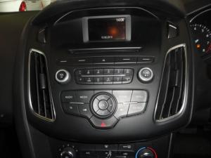 Ford Focus 1.0 Ecoboost Ambiente 5-Door - Image 13