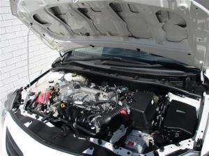 Toyota Corolla Quest 1.6 automatic - Image 9