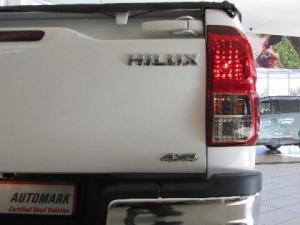 Toyota Hilux 2.8 GD-6 Raider 4X4 automaticS/C - Image 9