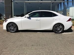 Lexus IS 200T EX/300 EX - Image 18