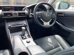 Lexus IS 200T EX/300 EX - Image 11