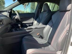 Lexus UX 200 F-SPORT - Image 13