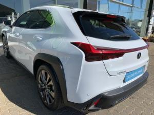 Lexus UX 200 F-SPORT - Image 17