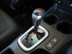 Toyota Hilux 2.8 GD-6 Raider 4X4 automaticS/C - Image 6