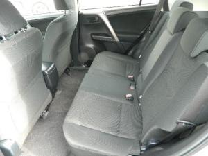 Toyota RAV4 2.0 GX automatic - Image 15