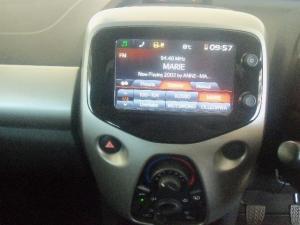 Toyota Aygo 1.0X-PLAY - Image 6