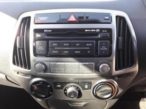 Hyundai i20 1.4 - Image 10