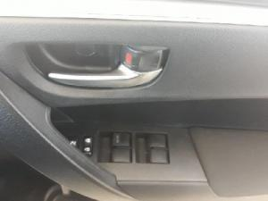 Toyota Corolla 1.6 Esteem - Image 12