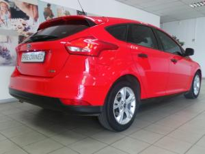 Ford Focus sedan 1.0T Ambiente auto - Image 3