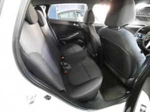 Hyundai Accent hatch 1.6 Fluid - Image 5