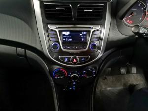 Hyundai Accent hatch 1.6 Fluid - Image 9