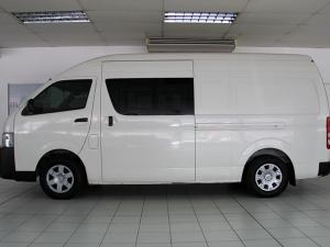 Toyota Quantum 2.5D-4D crew cab - Image 2