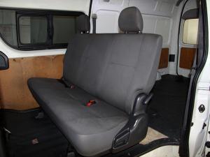 Toyota Quantum 2.5D-4D crew cab - Image 9