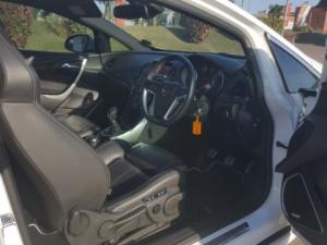 Opel Astra 2.OT OPC - Image 14
